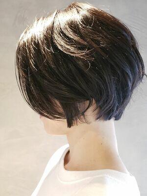 暗髪×ショートボブ×クールカジュアル