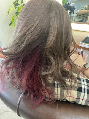 Richer hairsalon リシェル渋谷-勝又舞夏 ロイヤルミルクティ×インナーカラーピンク