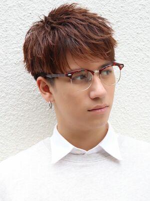 眼鏡も似合うスッキリショート