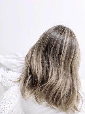 バレイヤージュであなたの髪の印象は劇的に変わる