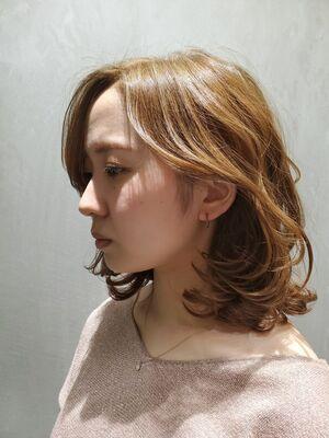 オリーブベージュカラー長めの前髪で魅せる大人可愛いミディアム春style✂️