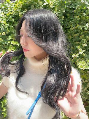 韓国っぽ ロングヘア顔まわりに柔らかレイヤーでスタイリングが圧倒的に楽になる🌿