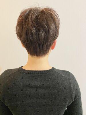銀座/VIE/つばさ☆カットが上手い◎トップがふんわりするショートヘア