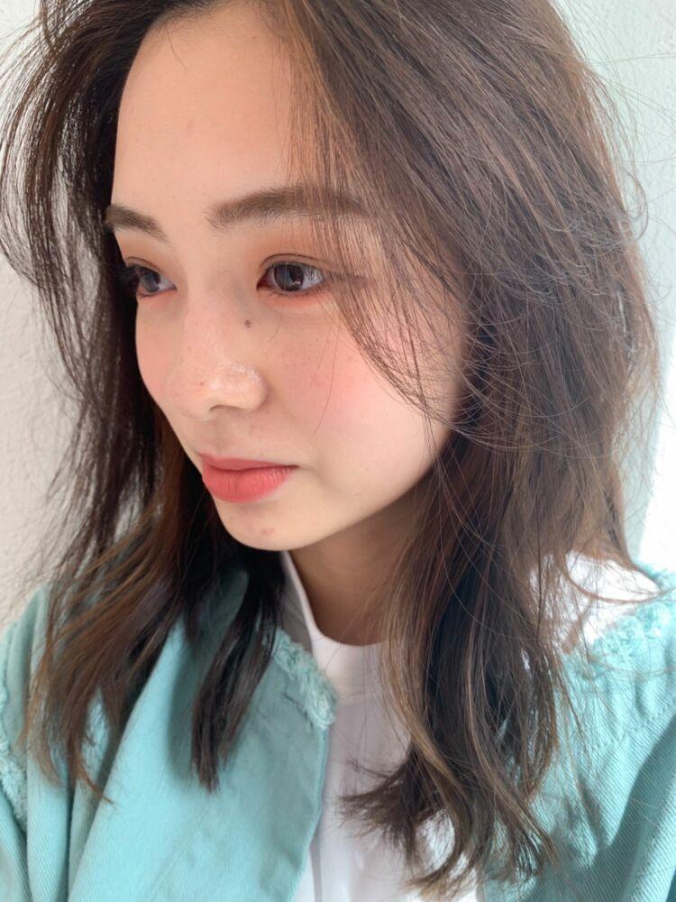 ラフな韓国風ミディアムヘア