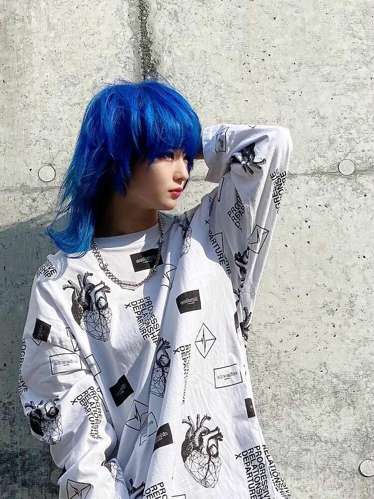 派手髪ブルー