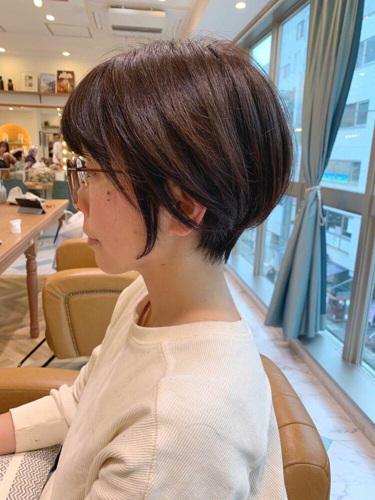 くせ毛でもまとまるコンパクトマッシュショート