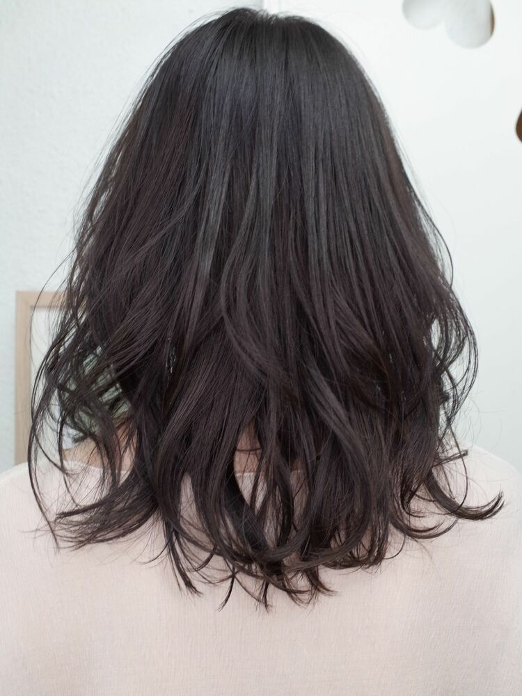 黒髪艶カラーくせ毛風セミウェットウェーブ20代30代40代