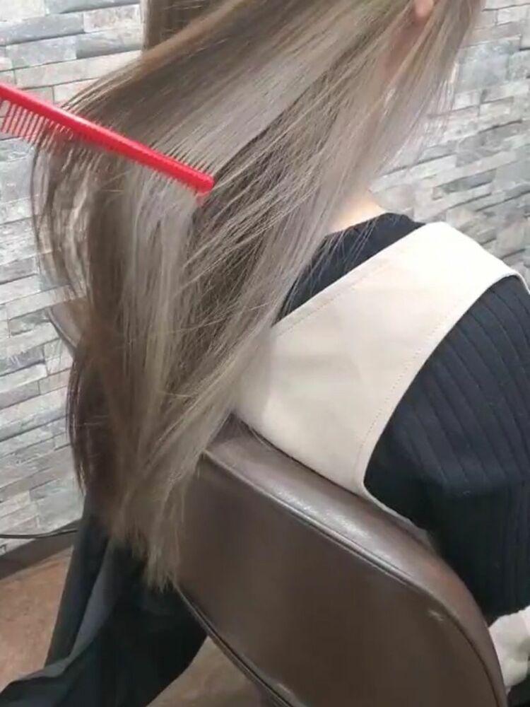 インナーカラー・ホワイティ☆AVLON☆南福岡、春日駅の間にある美容室✂︎