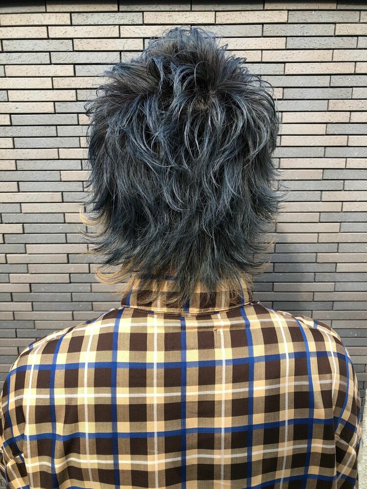 「銀座駅A2出口10秒MINX銀座五丁目店 店長 知念弘行」インナーカラー2ブロックウルフ