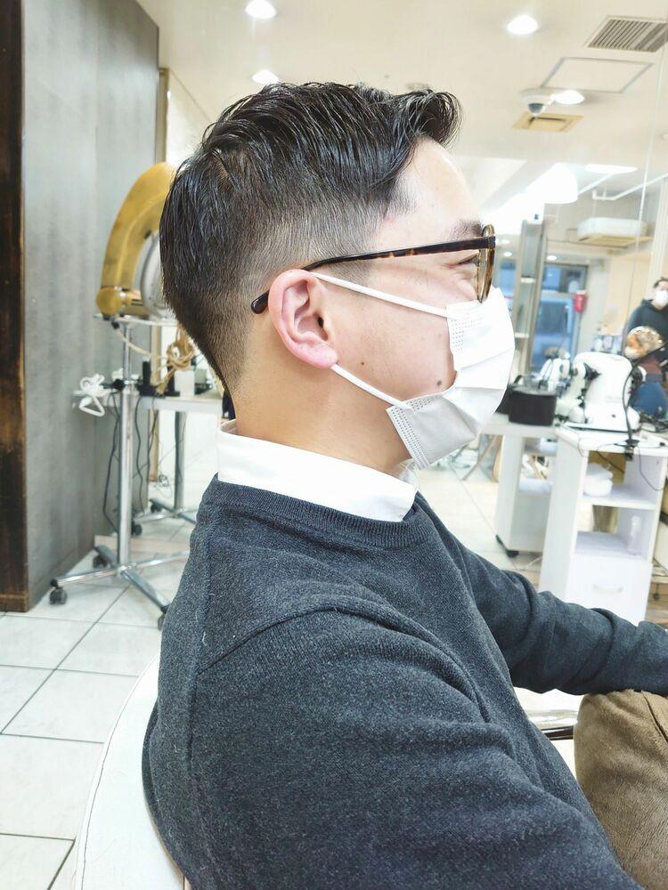 barber風の七三分け刈り上げヘア