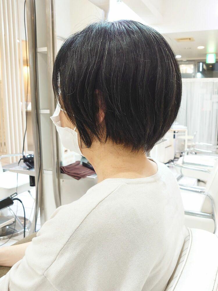 癖毛を活かすショートボブ