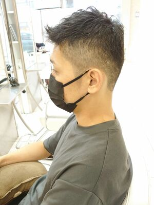 刈り上げヘア
