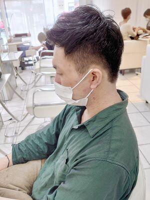 癖毛を活かす刈り上げショート