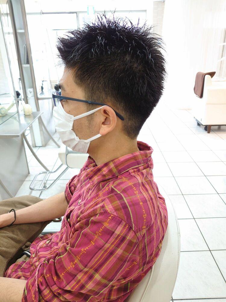 黒髪短髪刈り上げヘア