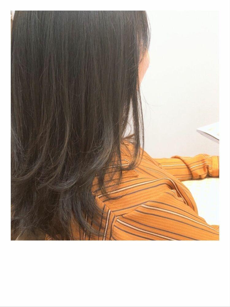 ダークトーンの透明感カラー