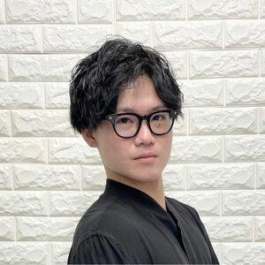 ヘアサロン:DOUX 本店 / スタイリスト:阿部 夏輝のプロフィール画像