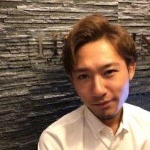 ヘアサロン:HIRO GINZA 青山店 / スタイリスト:岡戸 千弥