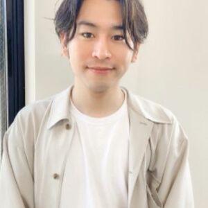 ヘアサロン:dyplus 表参道 / スタイリスト:鈴木シュウヘイのプロフィール画像