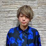 スタイリスト:高田 竜勢
