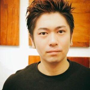 ヘアサロン:Plus AVEDA / スタイリスト:山内 智史のプロフィール画像