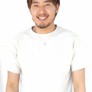 スタイリスト:篠原 伸二
