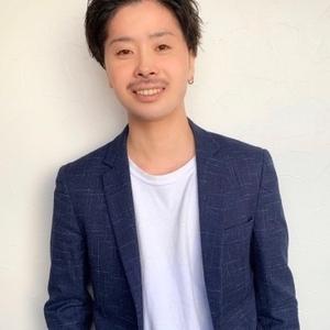 スタイリスト:渡辺 健太郎