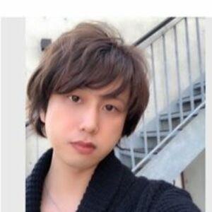 スタイリスト:アトレーヴ 渡邉 拓也