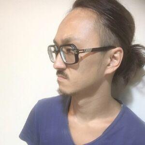 スタイリスト:森元 勇太