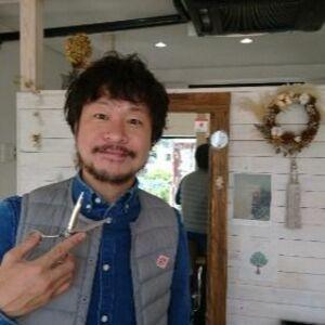 ヘアサロン:hair CUBE / スタイリスト:岡田 貴裕