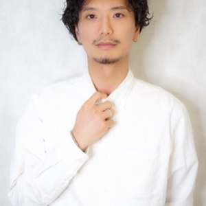 ヘアサロン:This OMOTESANDO / スタイリスト:山本悠平