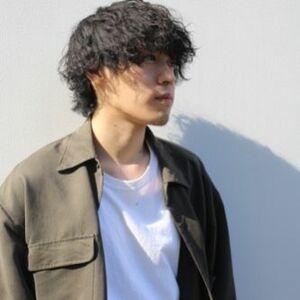 スタイリスト:田中瑞希