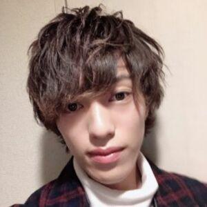 スタイリスト:濱田将慶