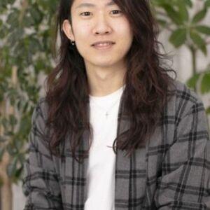 ヘアサロン:turn TOKYO / スタイリスト:韓国レイヤーカットなら嶋田陽平