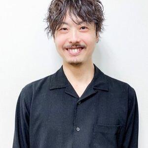 スタイリスト:THOiRY 橋本圭司