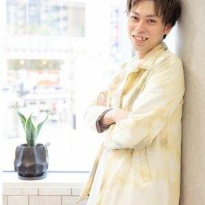 スタイリスト:伊藤尚仁