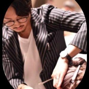 スタイリスト:櫻井歩