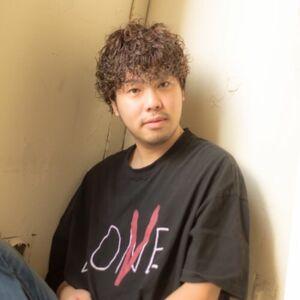スタイリスト:和田拓