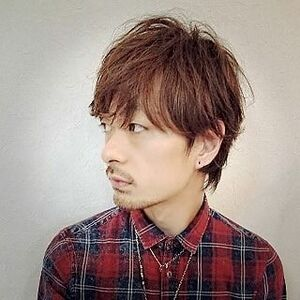 スタイリスト:畠中秀次郎