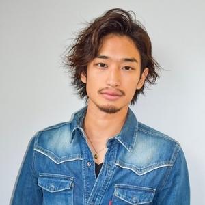 ヘアサロン:AFLOAT JAPAN / スタイリスト:AFLOAT 佐藤博亮