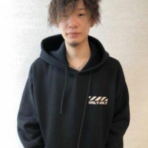 スタイリスト:REIJI