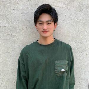 ヘアサロン:ACT harajuku / スタイリスト:前川遼大