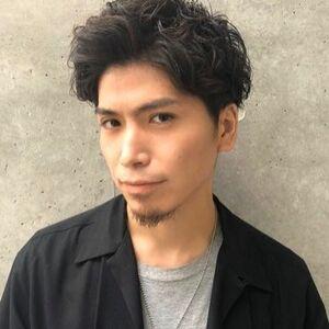 ヘアサロン:youres hair / スタイリスト:安岡 トモヤのプロフィール画像