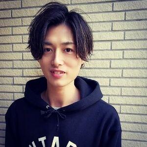 ヘアサロン:carina / スタイリスト:門井康太のプロフィール画像