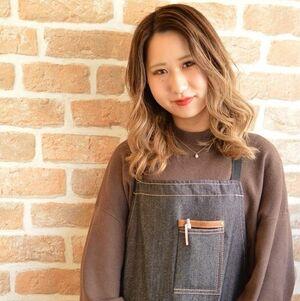 ヘアサロン:D&T hair 大手町店 / スタイリスト:服部 愛梨のプロフィール画像