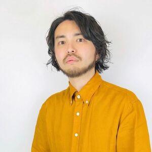 スタイリスト:松岡 健士郎