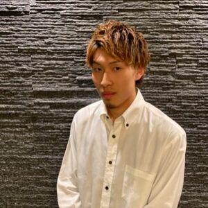 ヘアサロン:HIRO GINZA 銀座本店 / スタイリスト:八須 智哉