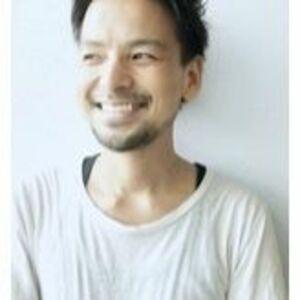 スタイリスト:橋元リョウイチ